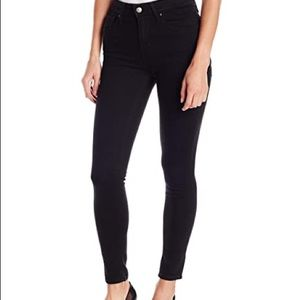 Levi High Rise Skinny Jeans | Size 28